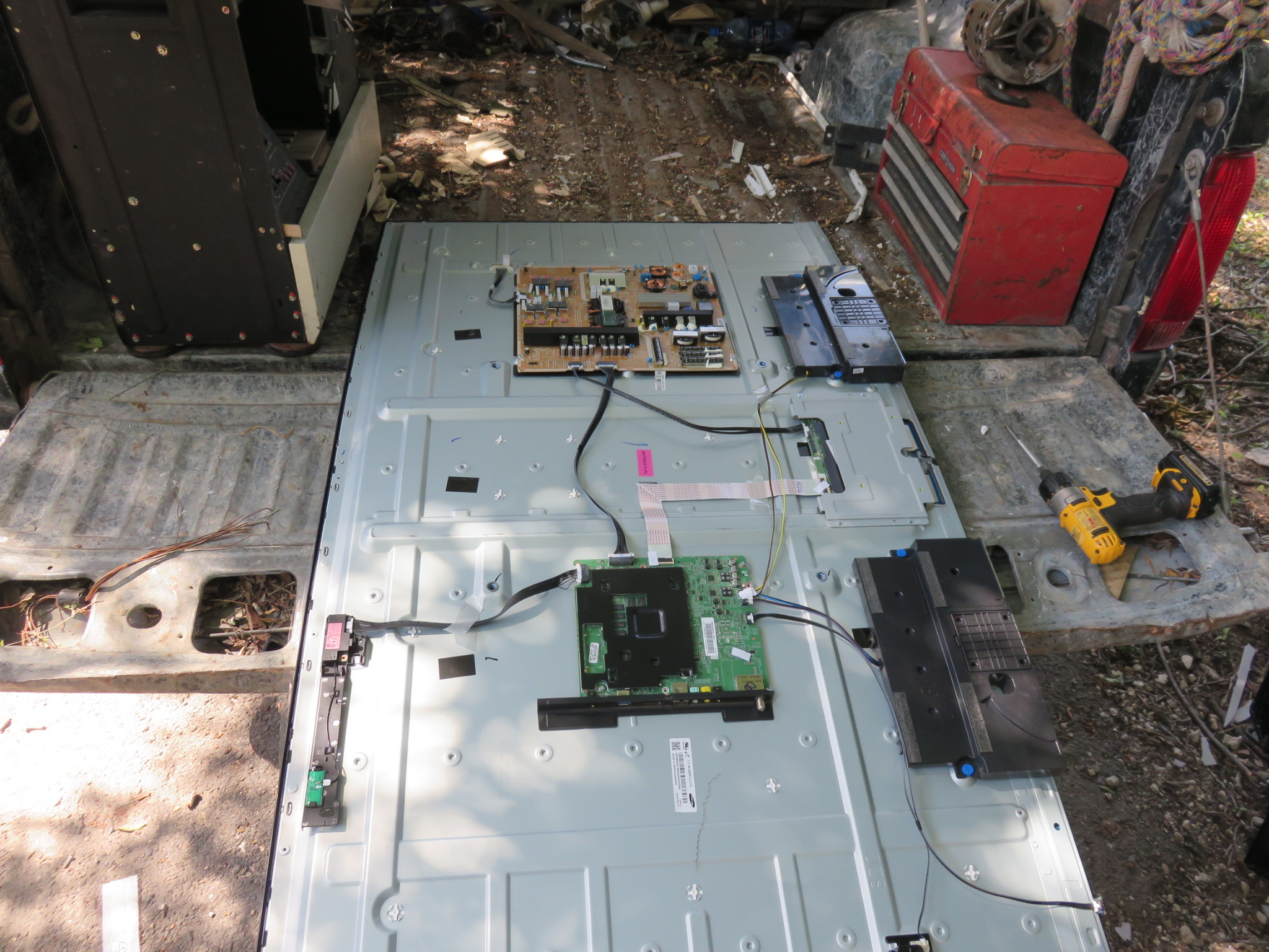 Broken Led Lcd Plasma Tv Screen Recycling Recycledcircuitboardlamp Curved Has 3 Circuit Boards We Can Use